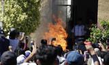WhatsApp'tan yayılan yalan haber sonrası 2 kişi yakılarak öldürüldü