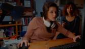 Strateji Bilgisayar Oyunu Oynayan Kadından sorulur