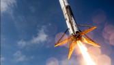 Falcon 9'un tarihi inişinin görüntüleri yayınlandı