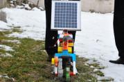 Güneş enerjisiyle çalışan çapa makinesi üretti