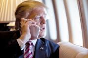 Trump iPhone kullanma konusunda ısrarlı