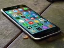 Yeni iOS güncellemesi iPhone'ların şarjını bitiriyor