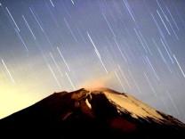 Gökyüzünde yılın en son ve en büyük görsel şöleni bu gece!