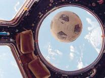 Uzayda 'futbol topu' mucizesi