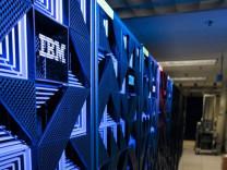 12 milyar şifreli işlem gerçekleştiren bilgisayar