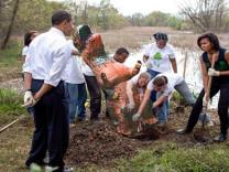 Obama çifti photoshop kurbanı oldu