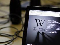 Wikipedia Türkiye'deki erişim yasağına isyan etti!