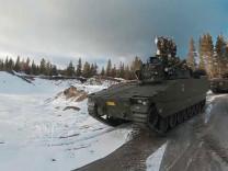 Norveç'te NATO'nun dev askeri tatbikatı