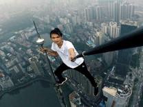 Selfie çekerken kaç kişi öldü!