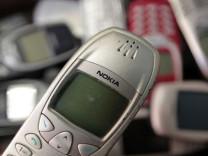 Eski telefonunun içindeki 'şey' kıymete bindi!