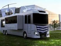 Bu karavanın fiyatı dudak uçuklatıyor! Boğaz'da yalı fiyatına...