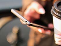 Akıllı telefon satışları 10 yıldır ilk kez düştü!