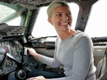 İsveçli çılgın Pilot sosyal medya fenomeni oldu