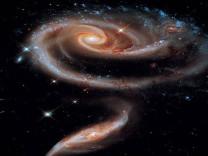 Hubble'ın gözünden evrenin derinliklerine yolculuk