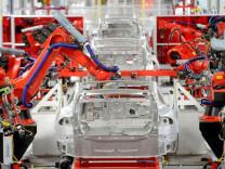 Tesla, üretimi durduruyor
