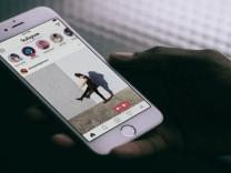 Instagram'da arkadaşlarınızın hikayesini paylaşmak mümkün
