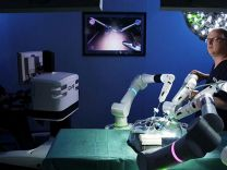 Robot cerrahlar devrede