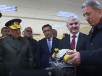 Bakan Akar Gökbey'in turboşaft motorunu test etti