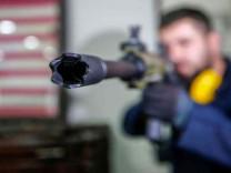 Türkiye'de üretilen silahlar Hollywood'un gözdesi oldu!