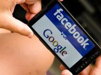 Uluslararası Af Örgütü'nden Google ve Facebook'a uyarı