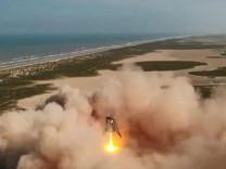 SpaceX'in yeni roketi Starhopper, 150 metre yüksekliğe çıktı