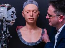 Robottan sanatçı olur mu? Ressam Ai-da geliyor