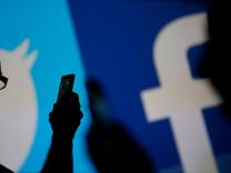 15'inci yaşında Facebook hakkında 15 gerçek
