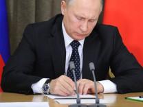 Rusya düğmeye basıyor! İnternetin fişini nasıl çekecek?