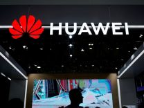 İşte Huawei'yi kara listeye alan şirketler