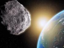 Uzmanlardan uyarı: Büyük bir asteroid Dünya'ya çarpabilir!