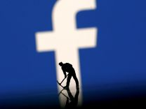 Facebook'tan korona virüsü atağı