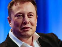 Elon Musk korona virüs sözünü tuttu