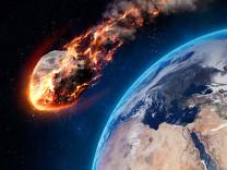 NASA meteor için açıklama yaptı! Dünyaya düşmesi mümkün mü?