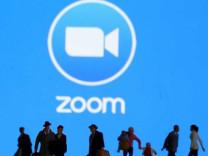 Zoom'dan 'ücretsiz üyelik' kararı