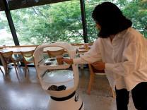 Güney Kore'de robot baristalar görev başında