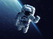 NASA astronotları canlı yayında uzay yürüyüşü yapacak!