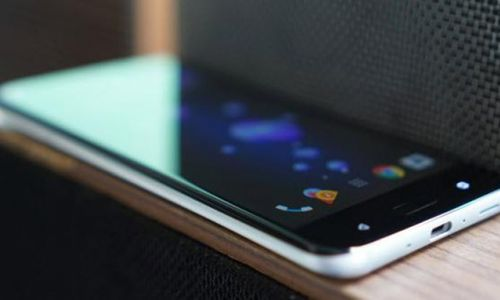 HTC'nin yeni bombası 2 Kasım'da ortaya çıkıyor!