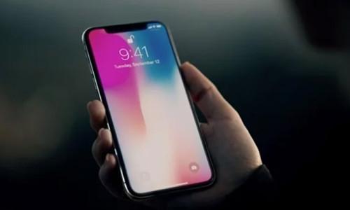 iPhone X, 1000 fit yükseklikten yere atıldı