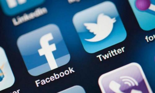 """Sosyal medya """"yetersiz anne sendromu""""na yol açıyor"""