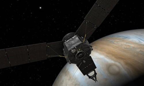 Juno'dan Jüpiter'deki fırtınanın sırrı çözme uçuşu