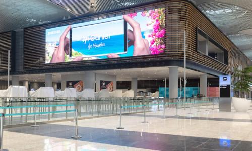 Samsung'tan İstanbul Havalimanı'na LED bilgi tabelası