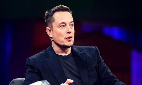 Elon Musk Mars'a gidecek roketin fotoğrafını paylaştı
