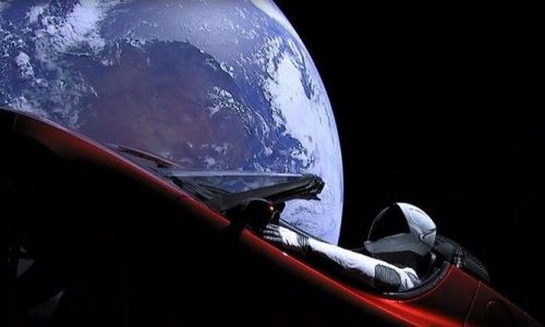 Elon Musk'ın uzaya gönderdiği Tesla'ya ne olacak