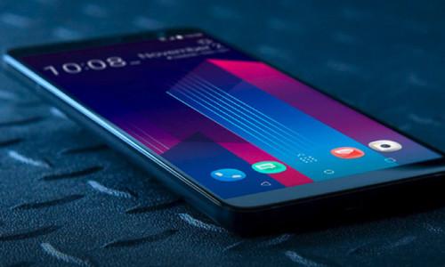 HTC'nin telefonlardan sorumlu yöneticisi istifa etti