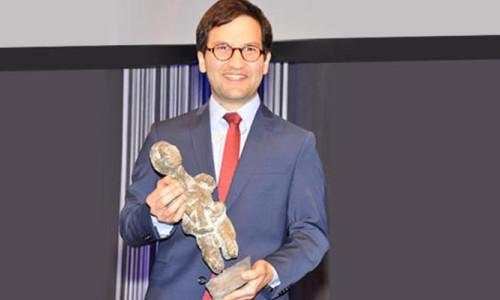 Türk bilim adamına büyük ödül!