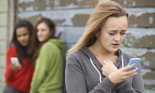 Çocuklar için sosyal medyada yeni tehlike: Sarahah