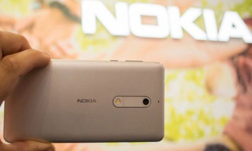 Patlayan Nokia telefon genç kızı öldürdü
