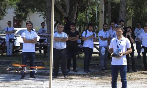 Öğrenciler kendi Drone'larını uçurdu