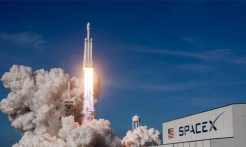 SpaceX'in kargo kapsülü uzay istasyonunda