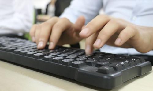 Bilgisayar klavyeniz tuvaletinizden 400 kat daha kirli